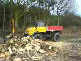 Tree Surgeons Chip, Firewood and Logs